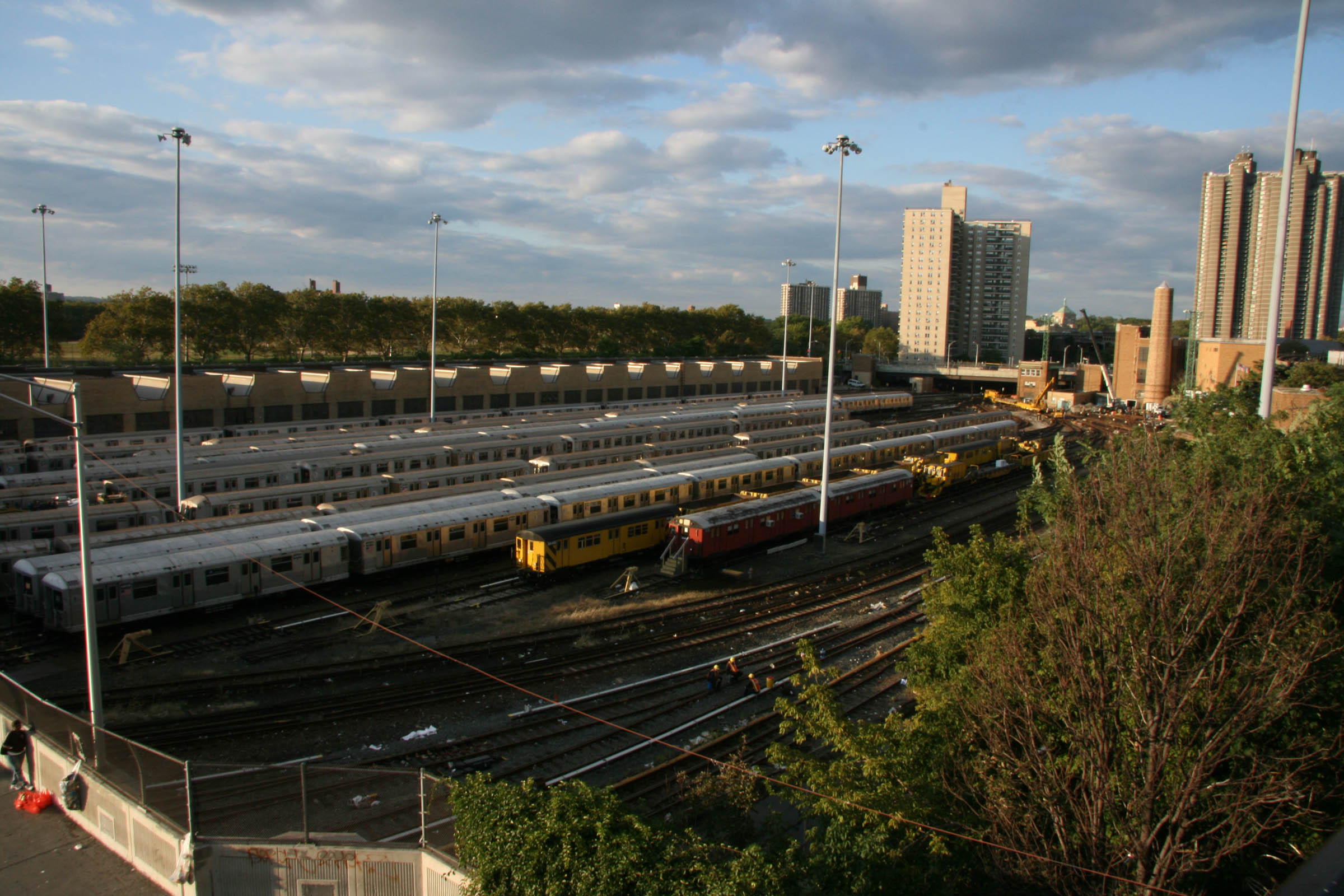 Bedford Park/Grand Concourse Yard, Bedford Park Blvd., the Bronx, NY, 2007.