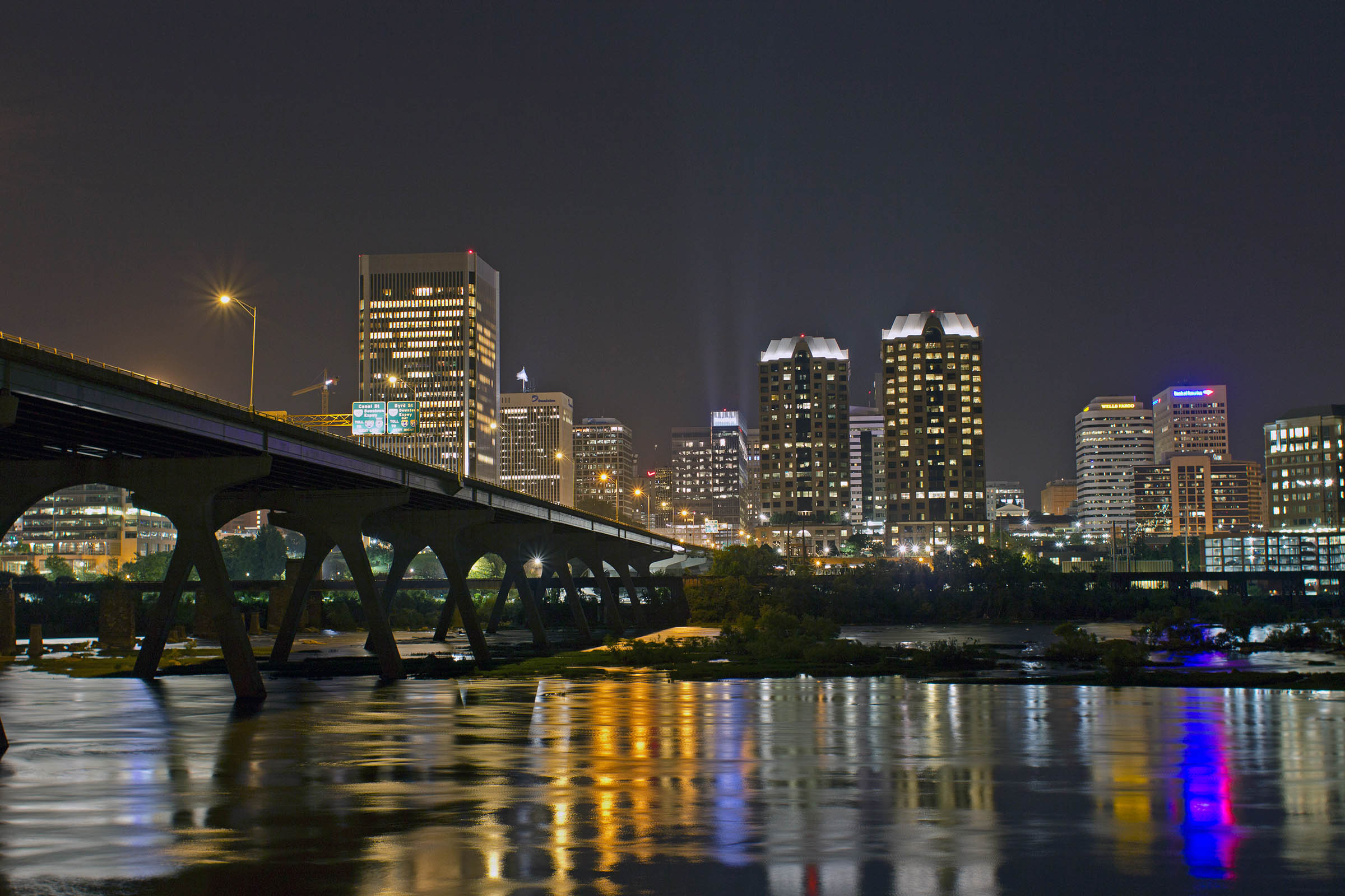 Night photo of the James River and downtown Richmond, VA, USA, 2017.